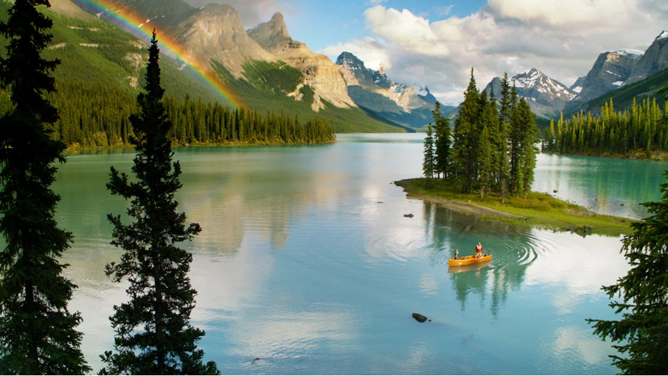 Paddling and camping on the majestic Maligne Lake in Jasper National Park |  Alberta Canada